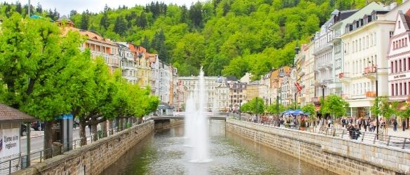 CEE Attorneys Advises RT Torax Group on Acquisition of Premium Plaza in Karlovy Vary
