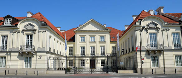 Dentons and Linklaters Advise on Sale of Warsaw's Mlodziejowski Palace